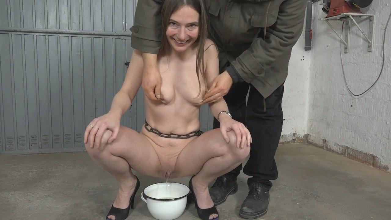 Real Amateur Slut Goes Public Sex In Toilet To Make Some Money