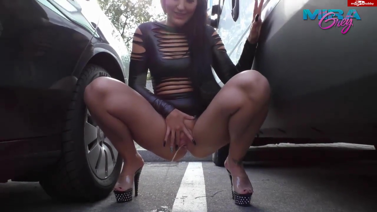 Mira-Grey - Super Lady pees brazenly PUBLIC