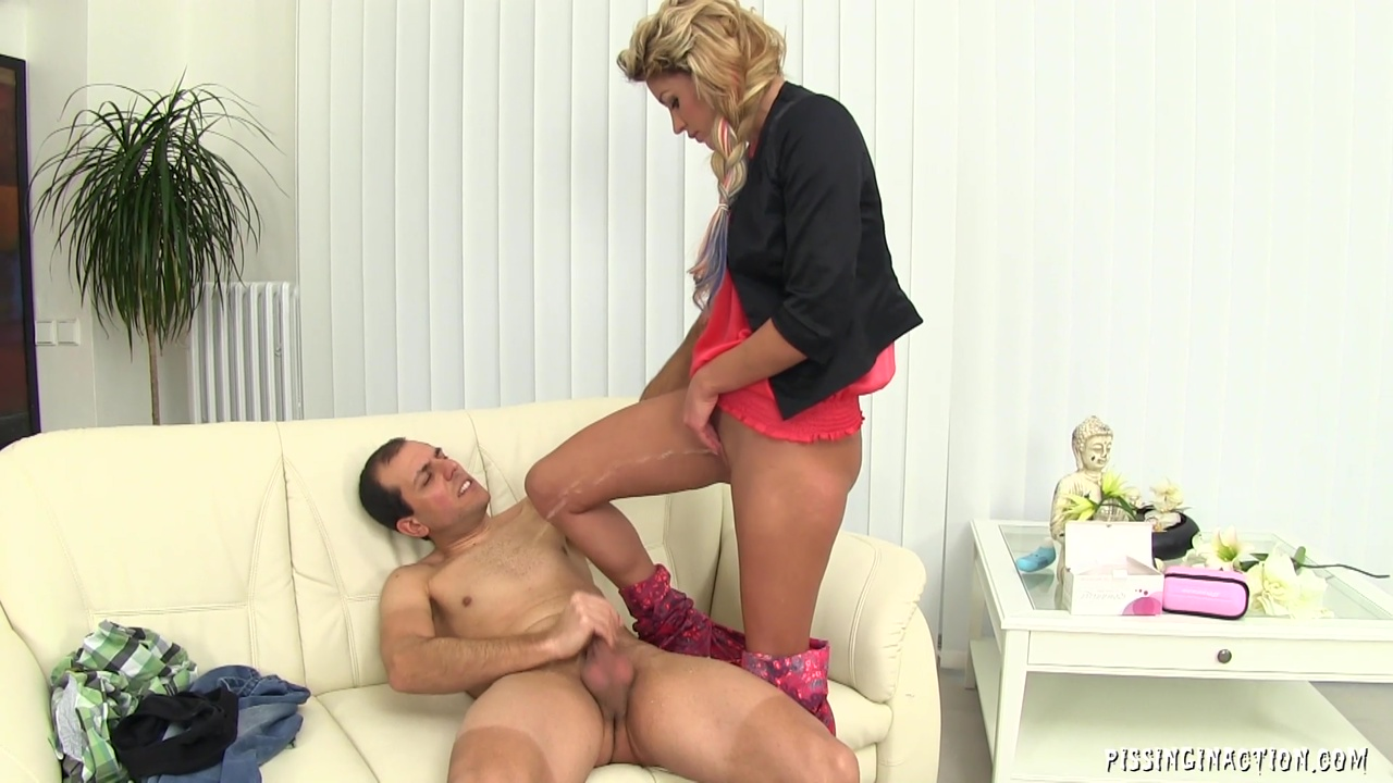 Naughty Lady Have A Fun With Her Man