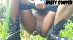Daizy Cooper - Outdoor punk piss compilation