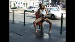 Extreme Public Piss Girls 36