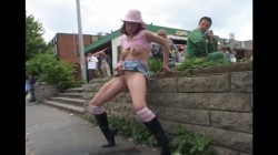 Extreme Public Piss Girls 30