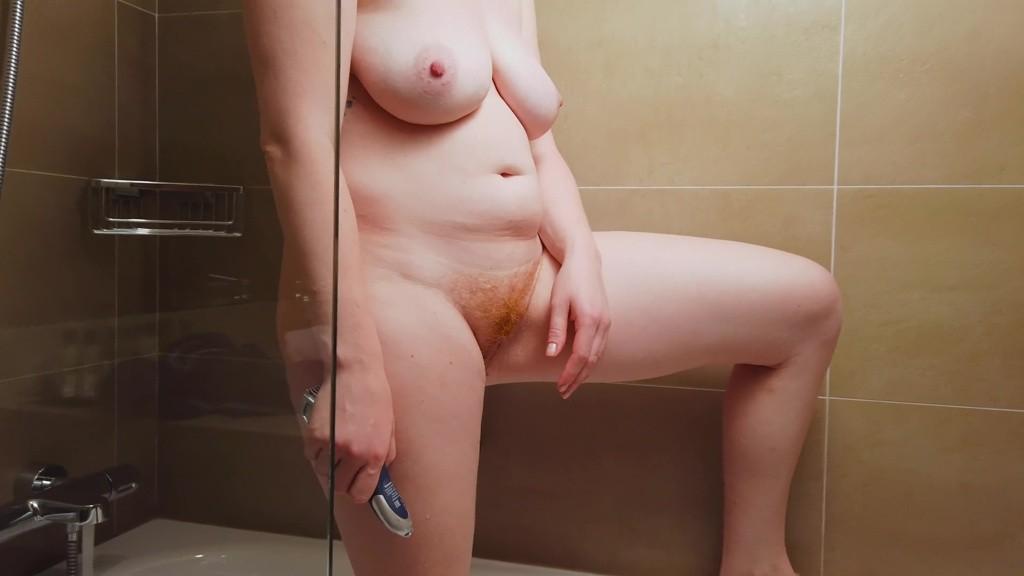 Red tube pissing